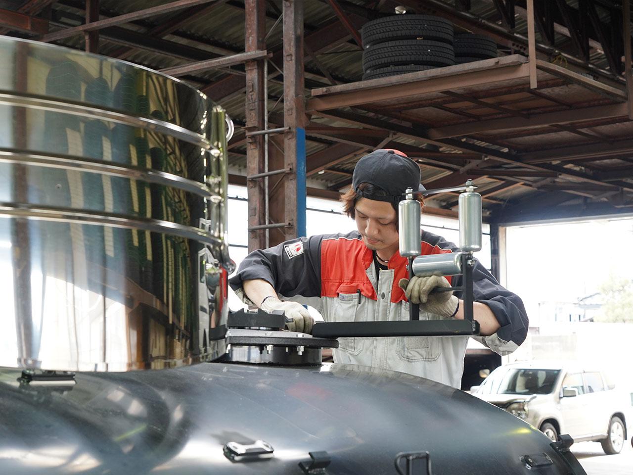 両羽自動車 特殊車両整備